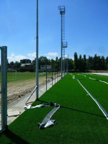 phoca_thumb_l_04 - fase della stesura del tappeto verde