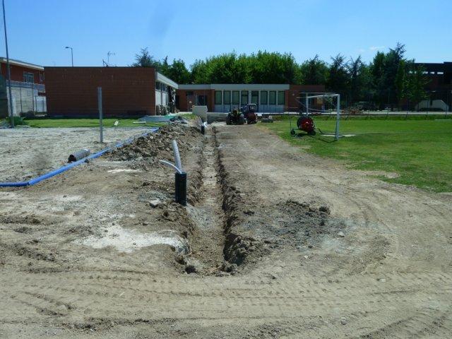 phoca_thumb_l_05 - momento del cantiere con lo scavo del collettore drenante