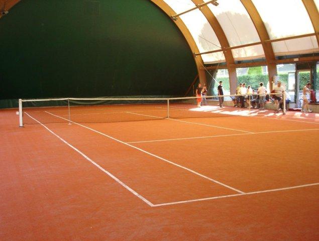 phoca_thumb_l_scorcio interno tennis vergato