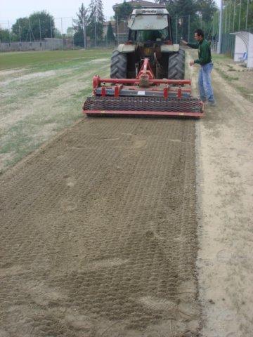Manutenzione campi da calcio in erba di Green Power Service
